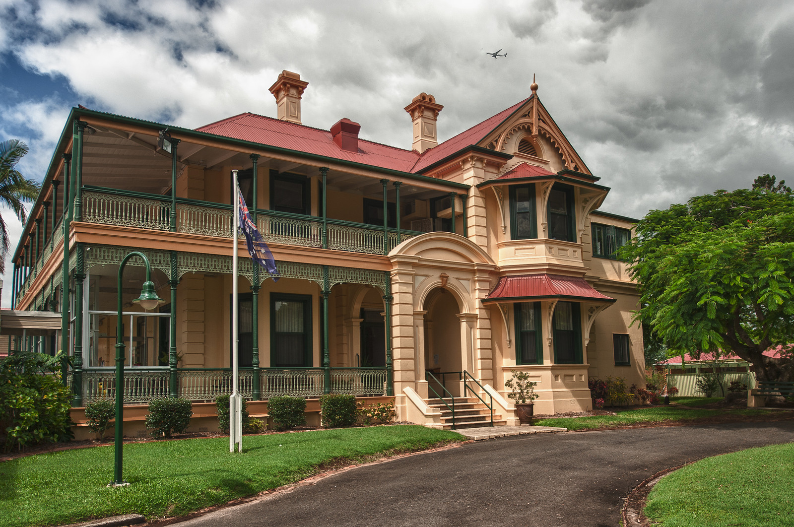 Verney House, Graceville